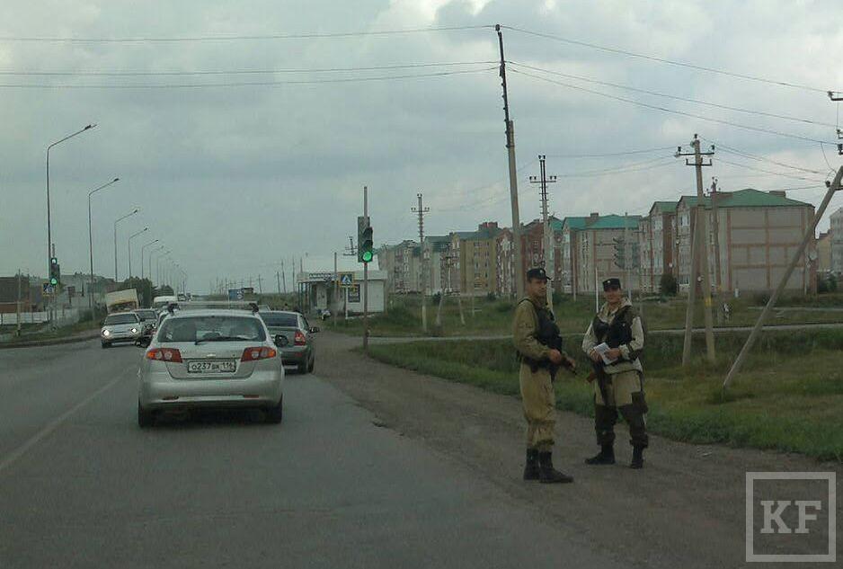 Для предотвращения межэтнического конфликта в Нурлат стянуты спецподразделения МВД [фото]