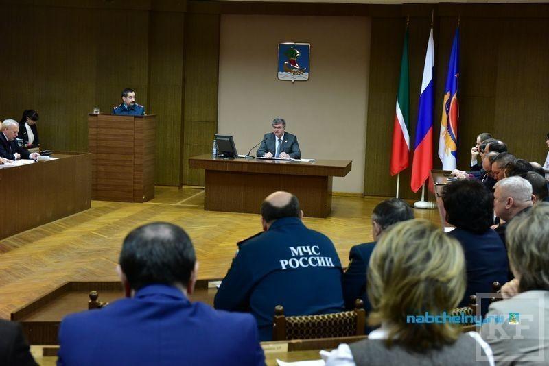 Наиль Магдеев предложил включить Госпожнадзор в состав комиссии по вводу в эксплуатацию новых зданий в Челнах
