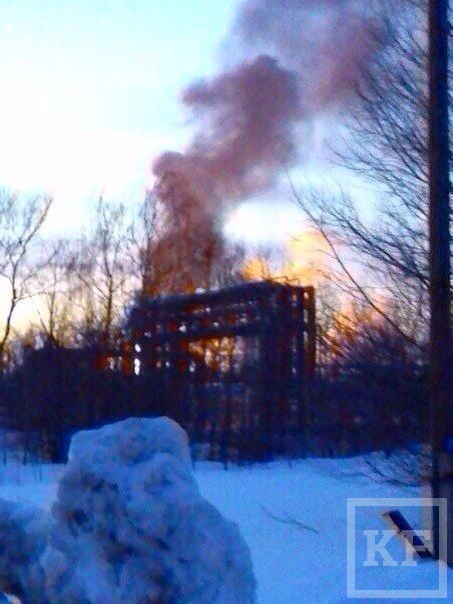 В Нижнекамске на заводе бензинов произошел пожар