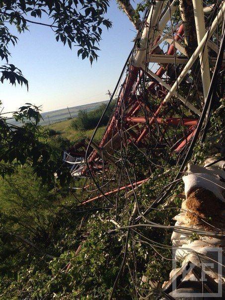 На горе Карачун под Славянском, на позиции украинской армии рухнула телевышка