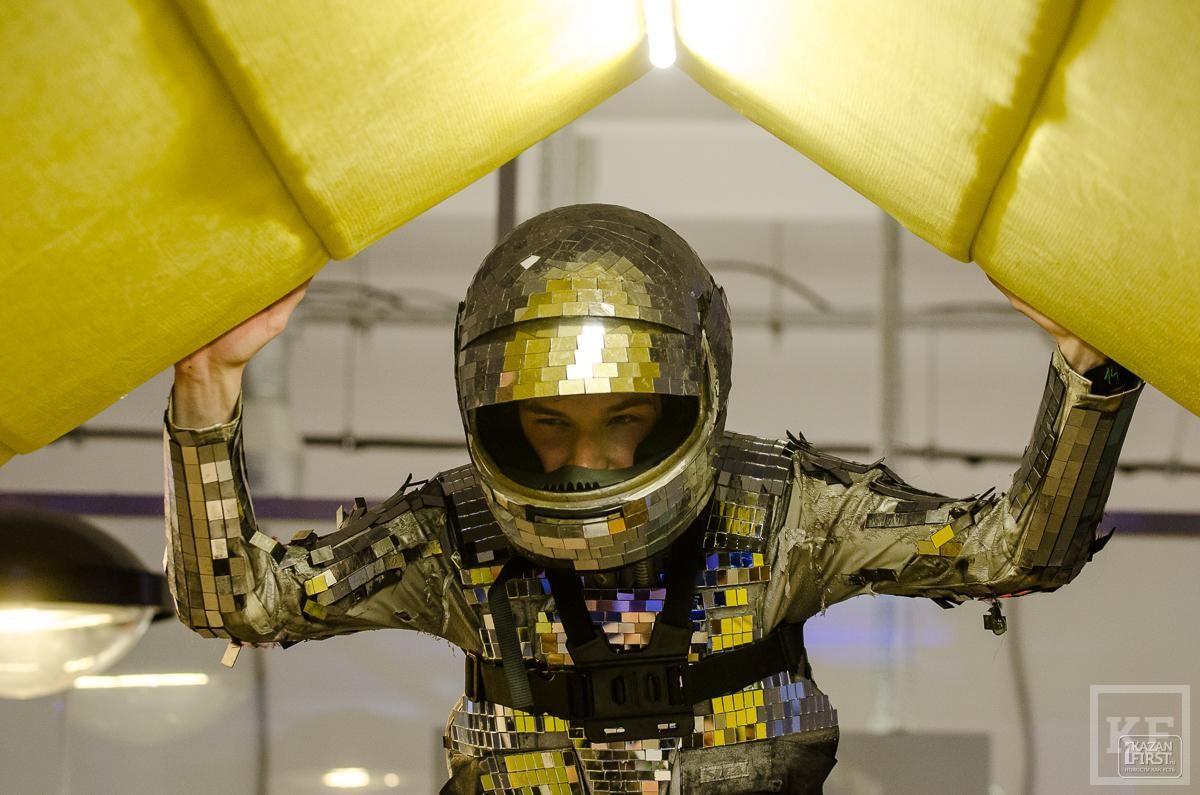 Для мира на Земле нет ничего важнее получения технологий освоения космоса. Поэтому позиционирование таких праздников, как День космонавтики, сейчас как никогда важно