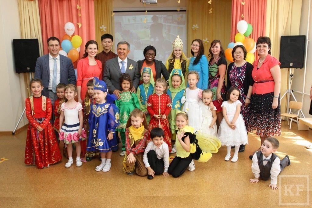 Рустам Минниханов посетил первый в Казани детсад с обучением на китайском языке