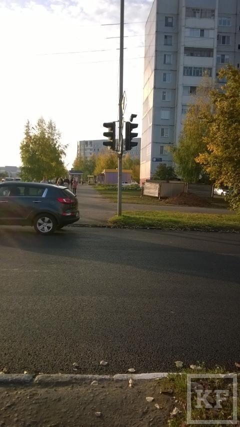 В Нижнекамске на одном из перекрестков не хватает светофора для пешеходов – «Народный контроль»