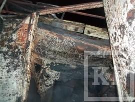 В Набережных Челнах сгорел киоск, торгующий продукцией «двойного назначения»
