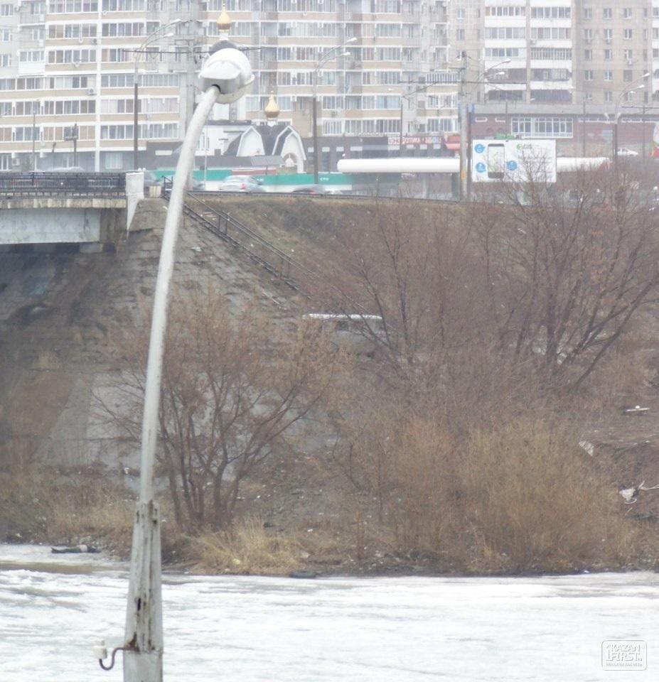 Под мостом в Набережных Челнах найдено тело мужчины