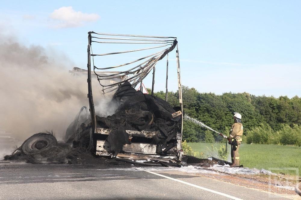 Из-за крупной аварии на трассе М7 образовалась большая пробка