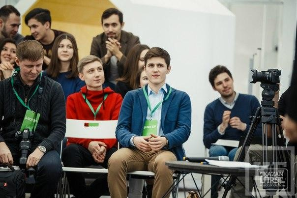 Блогеры против журналистов: собрались в «Штабе», чтобы поспорить за кем будущее