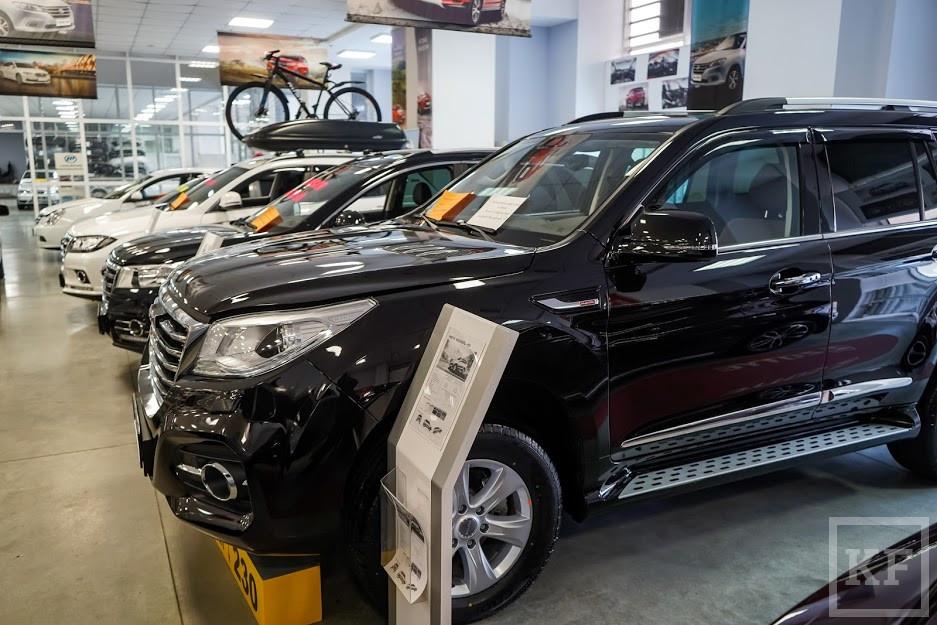 Модельный ряд семейных автомобилей Peugeot включает в себя вместительные, комфортабельные и практичные автомобили.