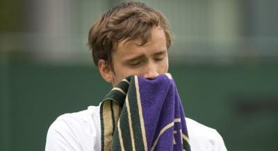 На турнире в США теннисист из России попал в расистский скандал