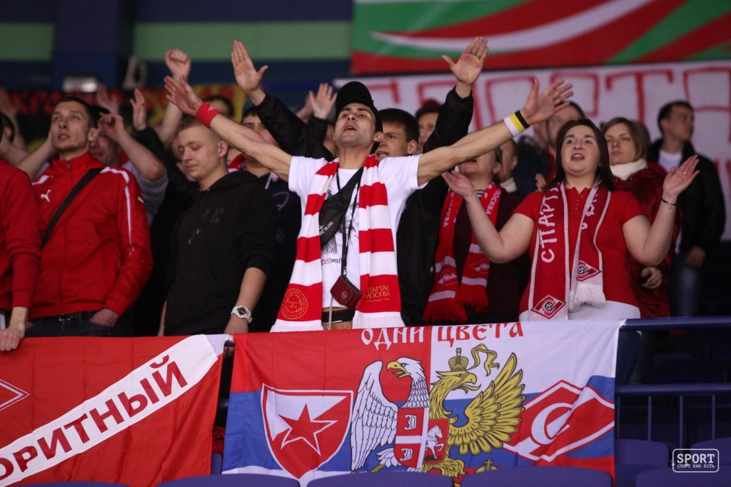 FC Bayern Munich - Спартак Москва 4- Крутая кричалка