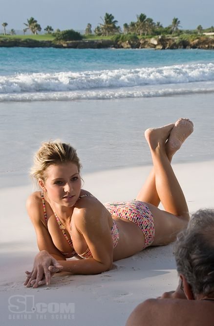 eroticheskie-fotografii-marii-tsigal