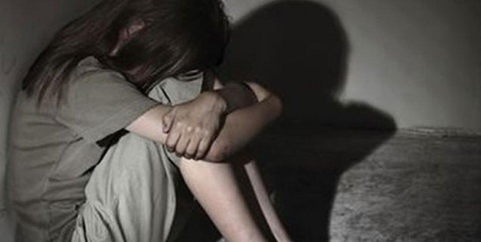 В сексуальном домогательстве двух 15-летних девочек следователи подозревают