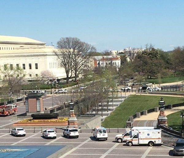 Вцентре для гостей Конгресса США схвачен вооруженный пистолетом мужчина