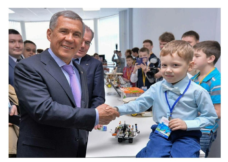 Рустам Минниханов поддержал в«ВКонтакте» 11-летнего Степана Савельева