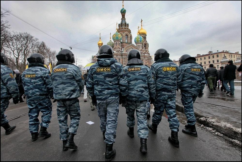 Русские полицейские помогут обеспечить порядок наЕвро
