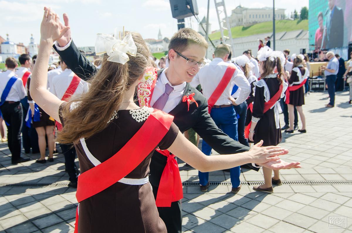 Минобразования непланирует воспрещать  вТатарстане выпускные вечера