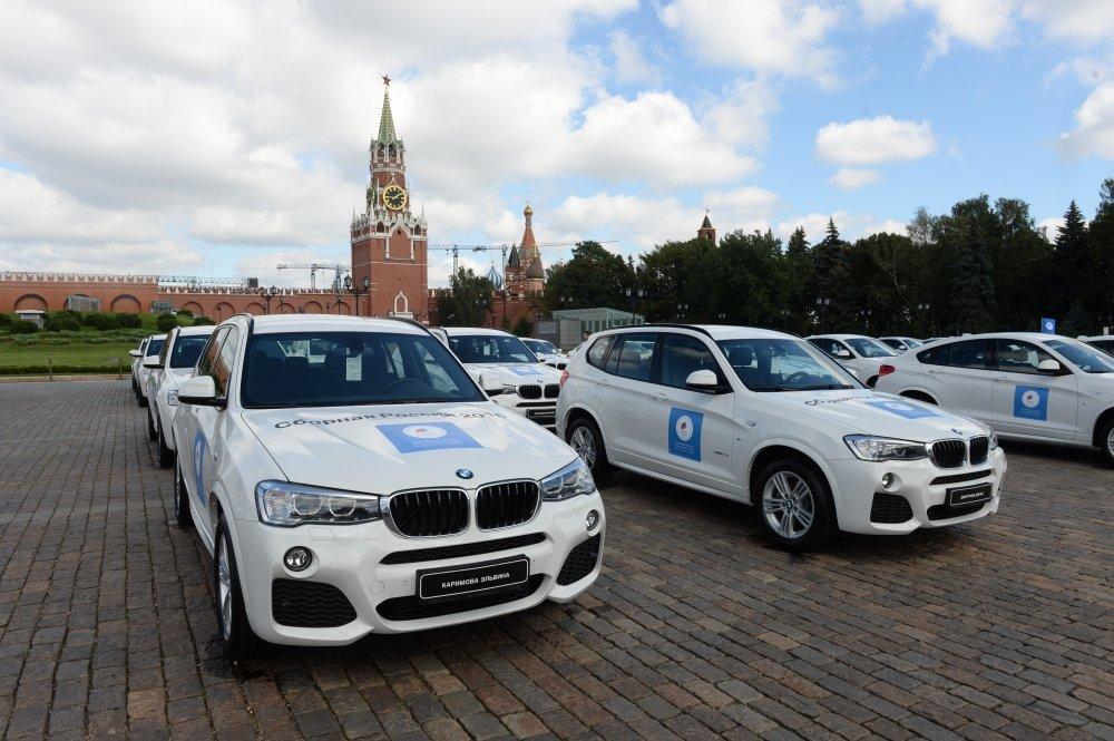 Два русских олимпийца реализуют автомобили, подаренные имзамедали Игр