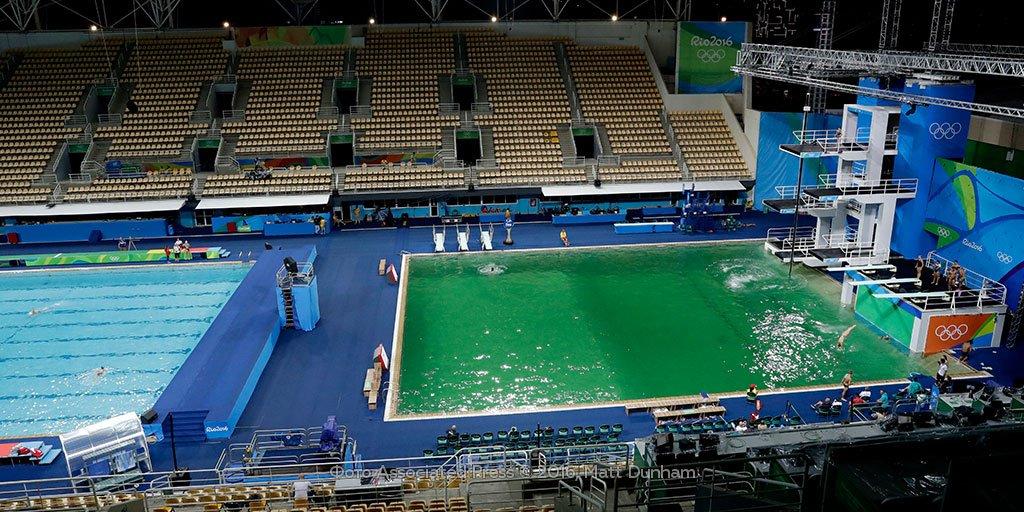 ВРио волимпийском бассейне позеленела вода