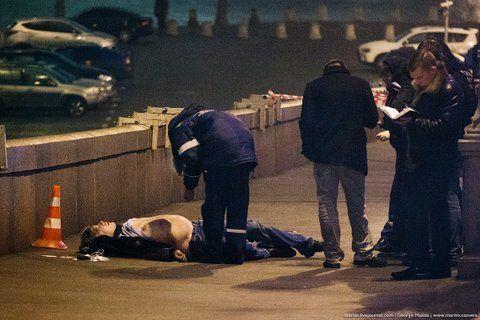 Убийца Бориса Немцова выстрелил семь-восемь раз - Следком