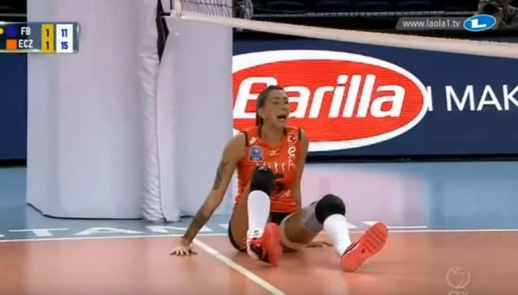 Самая сексуальная волейболистка мира получила ужасную травму