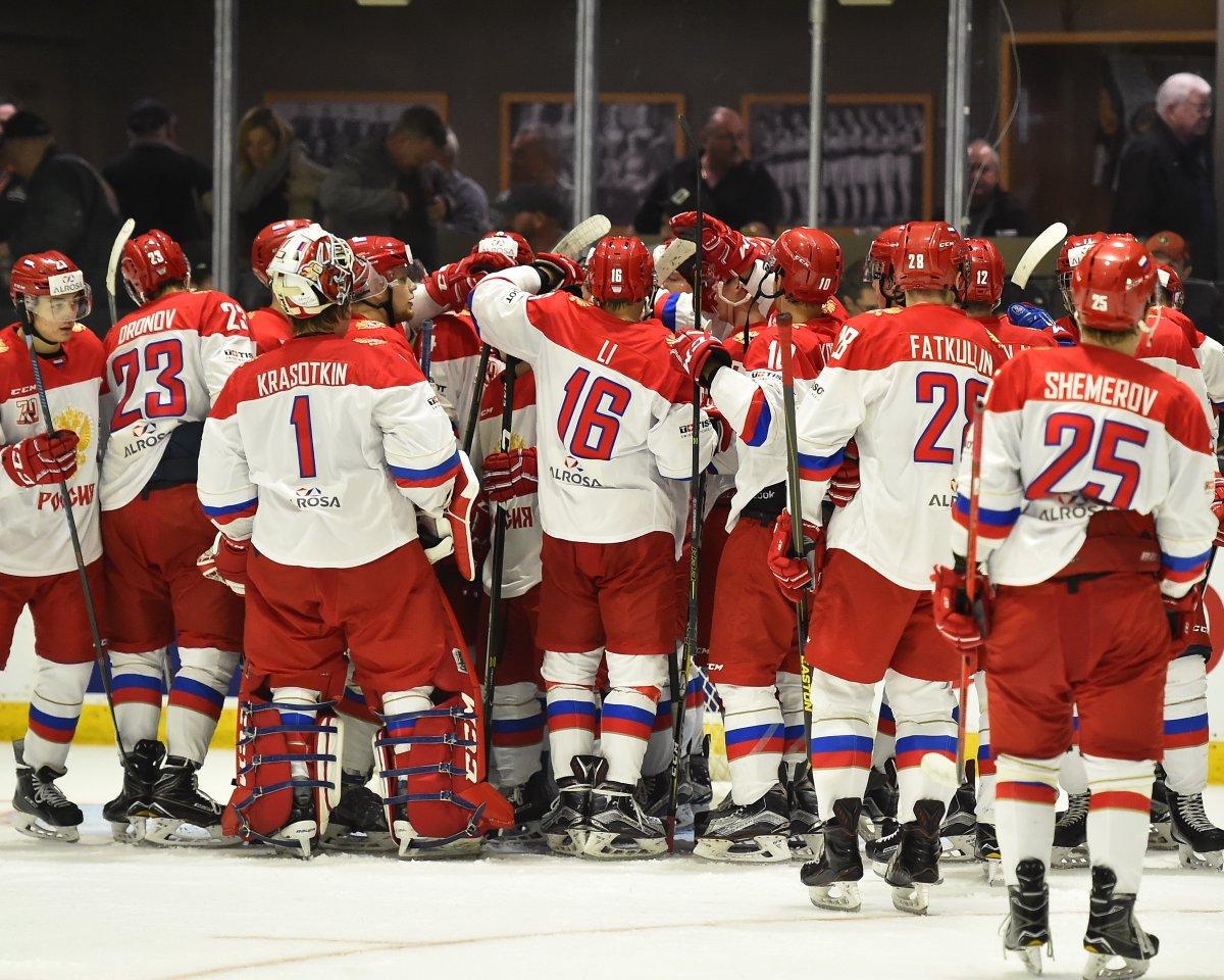 Молодежная сборная Российской Федерации похоккею обыграла команду ОHL вматче Суперсерии