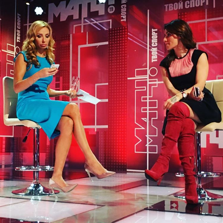 Татьяна Навка и Тина Канделаки - справа