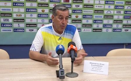 Главный тренерФК «КАМАЗ» уволен сдолжности
