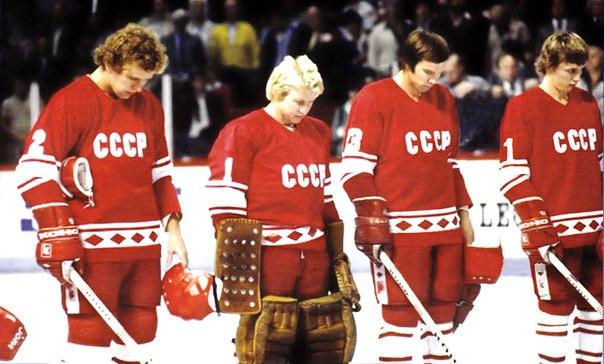 Хоккеисты сборной России поздравили Александра Овечкина