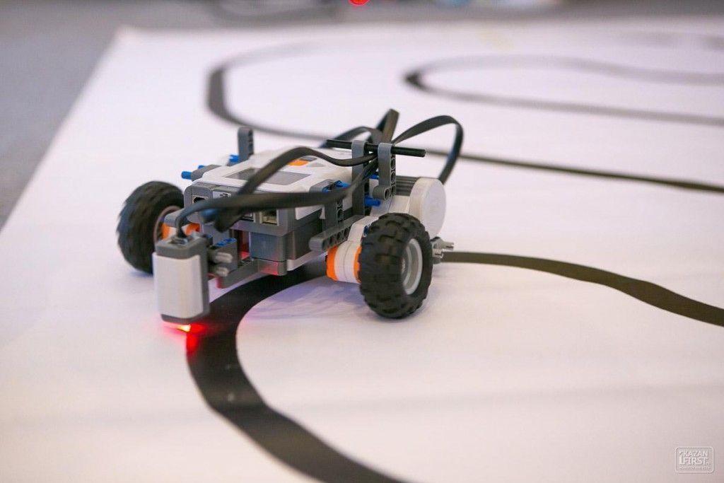 Как сделать движущегося робота 345