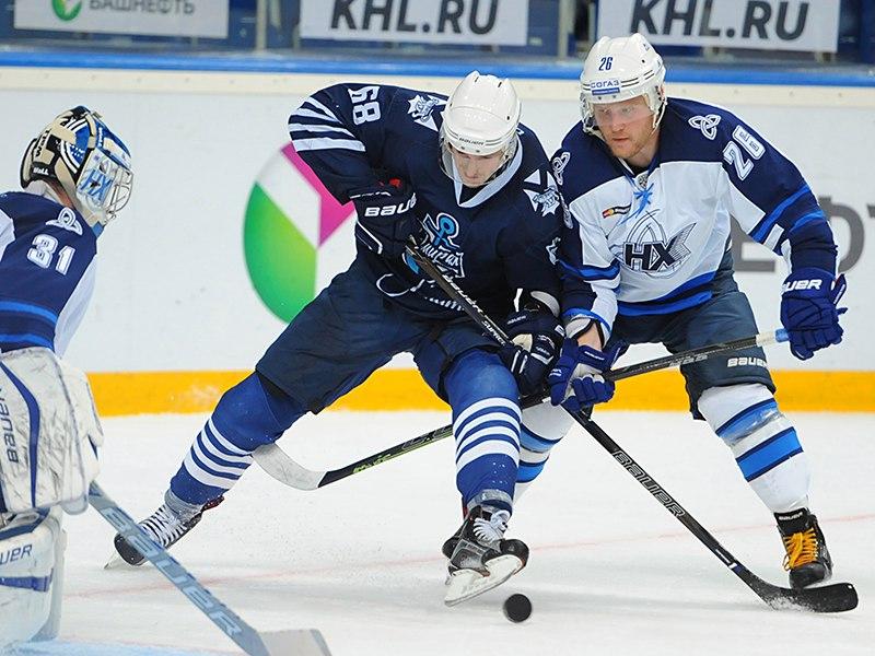 Хоккеисты «Нефтехимика» обыграли «Адмирал» вматче Кубка Республики Башкортостан