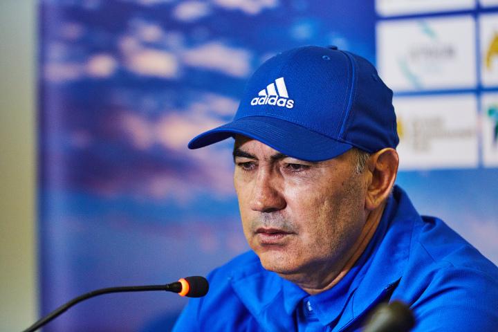 «Ростов» официально объявил обуходе Бердыева: тренер простился  сигроками
