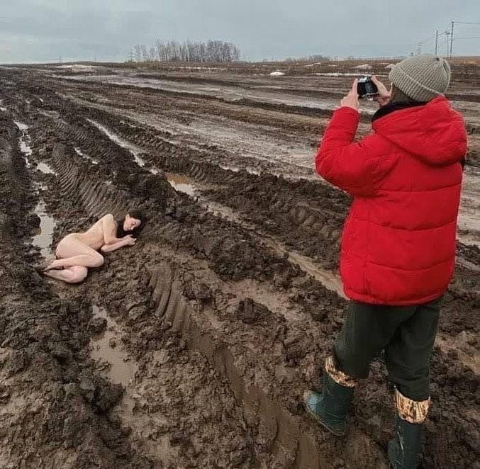 Работа девушке моделью грязи моя девушка изменяет на работе