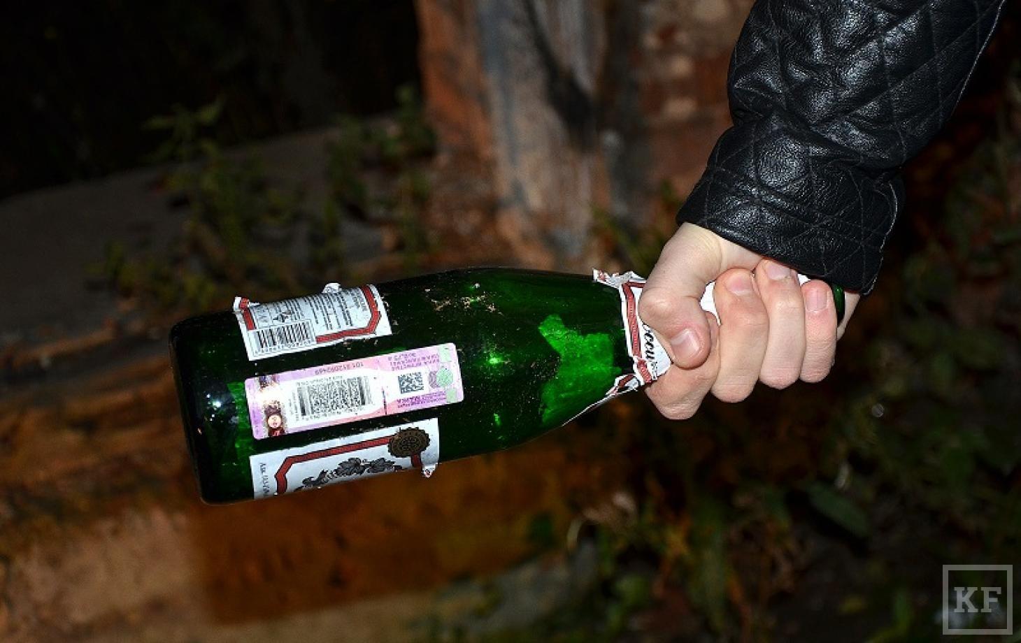 Село на бутылка, Порно с бутылкой - Жещины пихают себе во влагалище 19 фотография