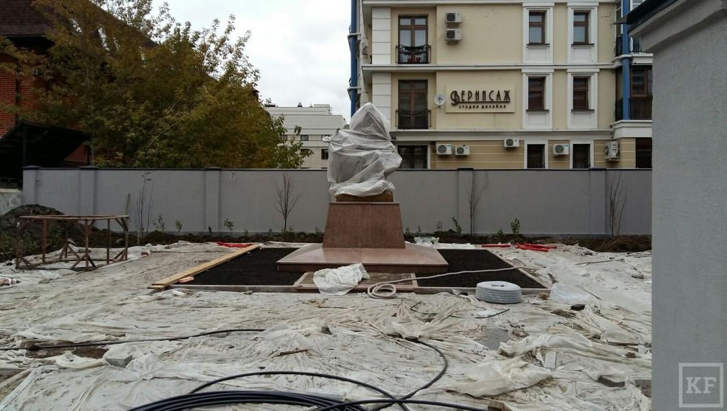 Памятник подешевле Киржач Эконом памятник с резным крестиком в углу ЗИЛ