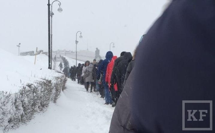 В РФ спрос налопаты из-за снегопада вырос в11 раз