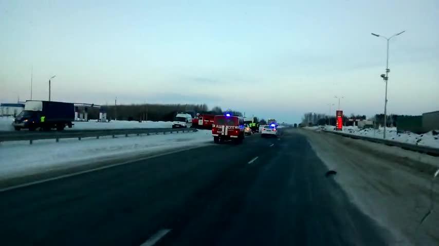 Смертельное ДТП вЕлабужском районе: столкнулись микроавтобус и«ГАЗель»