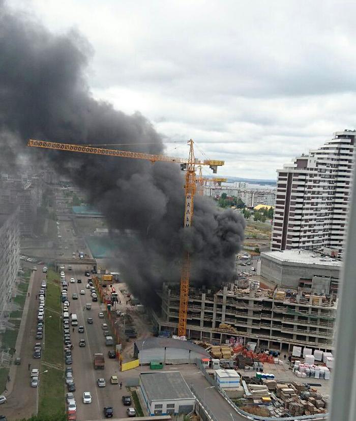 42fac12720a7 KazanFirst - На территории МФК Sunrise City в Челнах произошел пожар