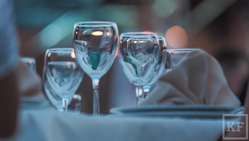 Роскачество необнаружило нарушений при продаже водки в законной рознице