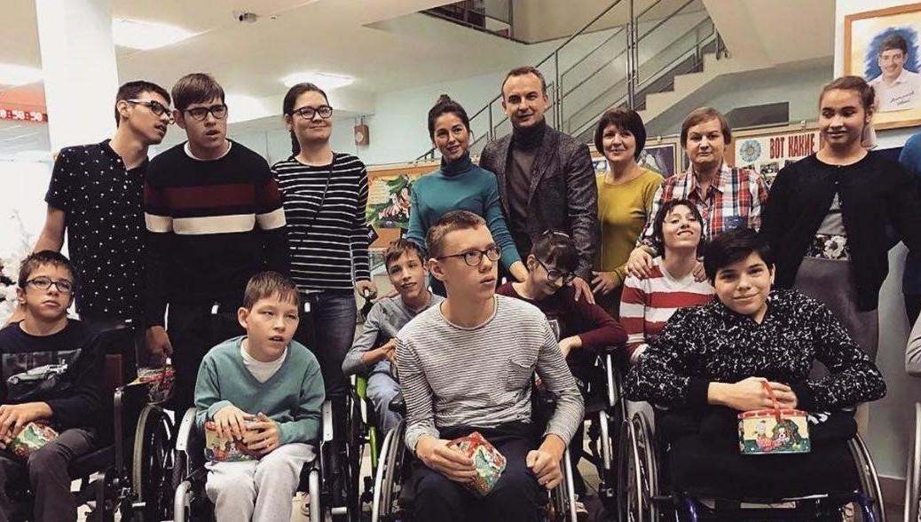 Кдвижению Putin Team присоединилась эстрадная певица Нюша вместе смужем