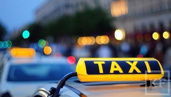 Ростовская таксистка возвратила пассажирам забытые всалоне 4 млн руб.