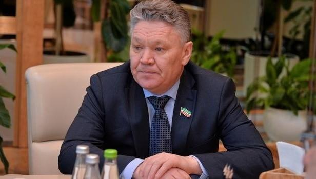 Минниханов сменил руководителя  министерства образования инауки Татарстана