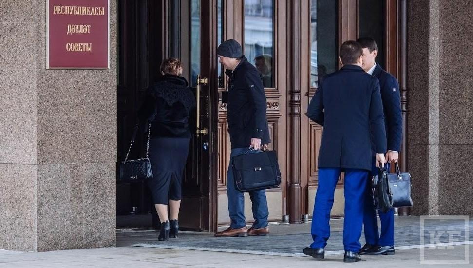 Супруга президента Татарстана заработала в18 раз больше мужа