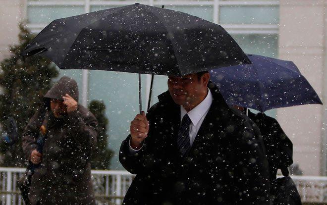 Снегопад в Японии стал причиной смерти 12 человек