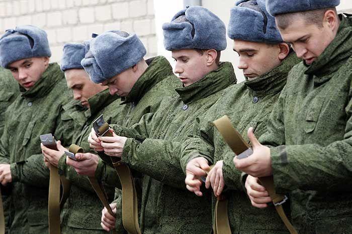 Комитет солдатских матерей намерен попросить Сергея Шойгу изменить время проведения призыва в армию