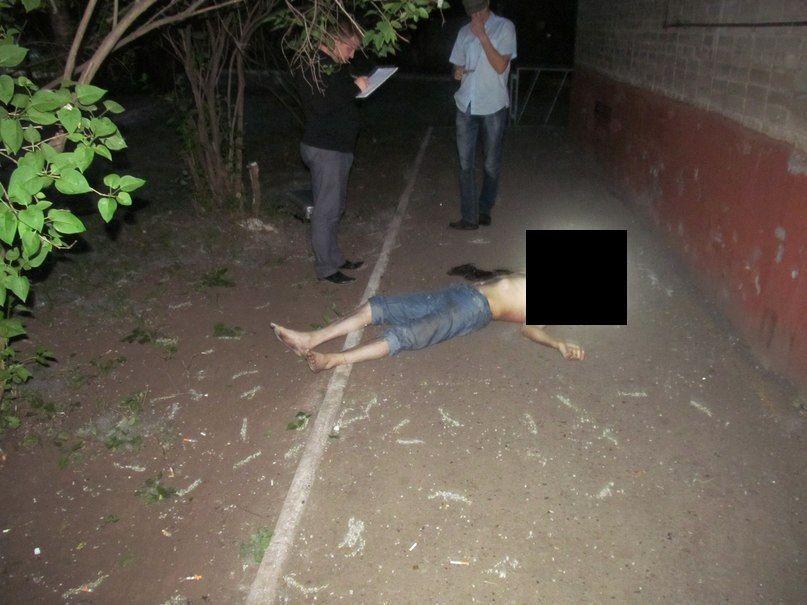 Житель Нижнекамска разбился, упав с пятого этажа дома