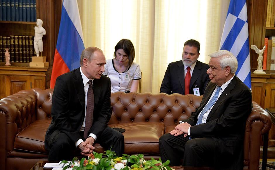 Путин: турпоток из России в Грецию за март вырос на 523%