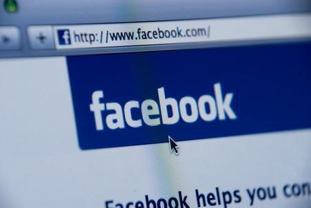 «Потому что кликабельно»:  зачем депутаты Госдумы хотят ввести жесткий контроль над содержанием Facebook