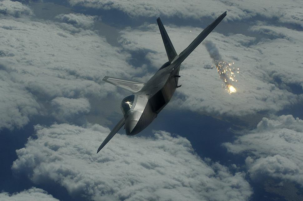 Самолеты шестого поколения в России, возможно, будут беспилотниками - «Сухой»