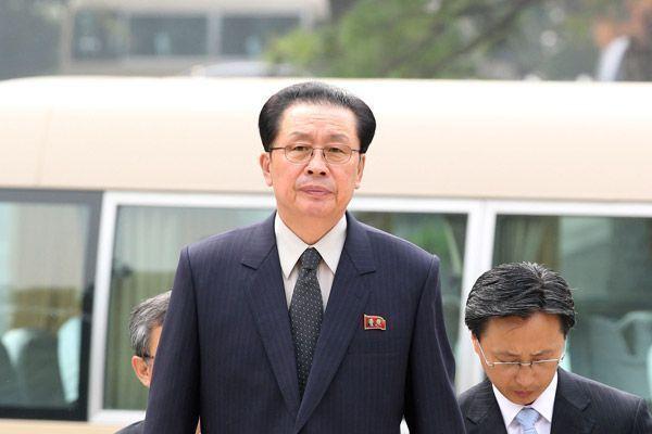 В Северной Корее казнили всю семью дяди Ким Чен Ына