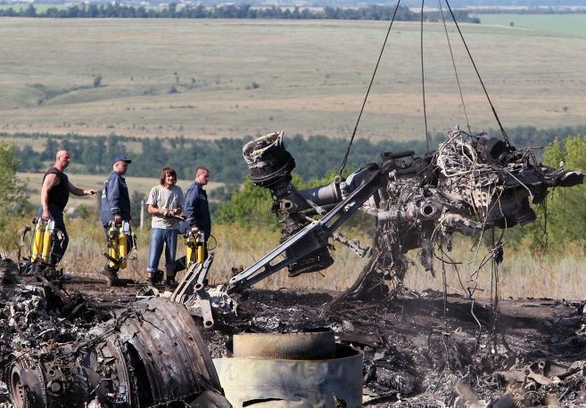 На месте авиакатастрофы на востоке Украины найдены останки 282 человек – премьер-министр ДНР Бородай